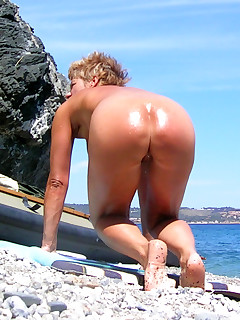 Nudist Ass Pictures