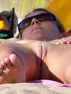 Nudist Beach Pussy Pictures