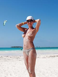 Nudist Moms Pictures