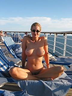 Nudist MILF Pictures