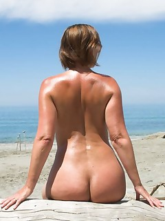 Mature Nudists Pictures